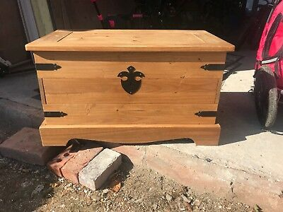 Victorian Style Pine Chest / Antique Blanket Box Coffee Table Storage