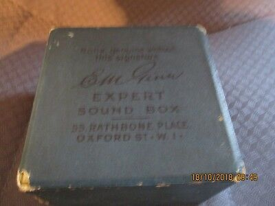 A good EM Ginn Expert  gramophone phonograph original box