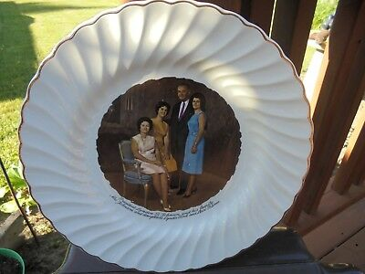 Vintage Souvenir Ceramic Plate President Lyndon Johnson And His Family, 9 1/4""