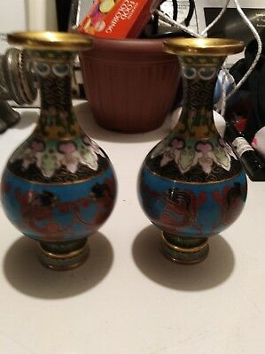 *** 2 VINTAGE CHINESE CLOISONNE MINI COLORFUL 5 inches tall FLORAL VASES ***
