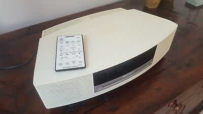 Bose Wave AWRCC6 Shelf Music CD/Radio System Cream inc Apple iPod adapter