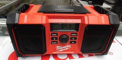 Milwaukee M18 18V Heavy-Duty Jobsite Radio - 289020