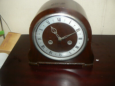 Lovely Vintage Art Deco  Oak Smiths Chiming Mantal Clock With Origial Key Works