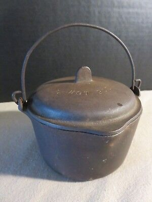 Vintage Antique  WAGNER WARE Sidney -O- 1368 Cast Iron Hot Pot with Lid