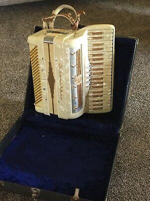 Prince Stanelli piano accordion in ivory and gold