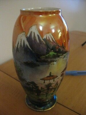 A 1920s RARE W&R CARLTON WARE CHINALAND LUSTRE VASE. BEAUTIFUL ,
