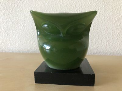 60's WONY MODERNIST ABSTRACT MID CENTURY LUCITE JADE GREEN OWL PAPERWEIGHT ITALY