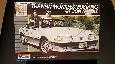 NEW MONKEES FORD MUSTANG GT CONVERTIBLE 1:24 scale model car kit MONOGRAM 1987