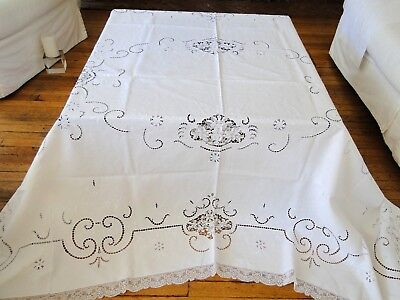 Fine Linen Tablecloth With Embroidery ,cutwork ,needlelace And Filet Lace