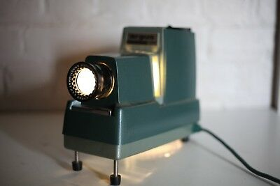 Vintage Slide Projector URGUS 300 - MADE IN AUSTRALIA - Working!
