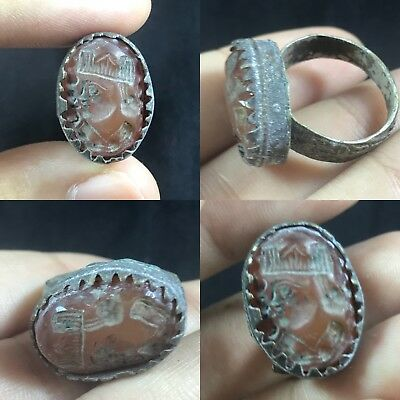 Ancient Near Eastern bronze agate emporer intaglio ring