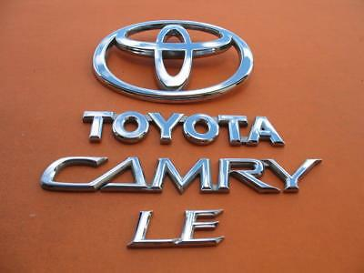 02 03 04 05 06 TOYOTA CAMRY LE REAR LID CHROME EMBLEM LOGO BADGE SIGN SYMBOL OEM