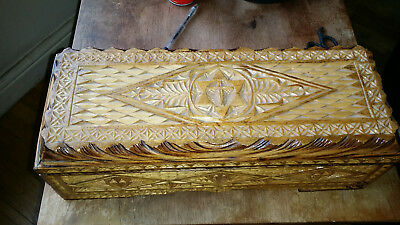 Vintage/Antique carved Wooden Trinket or jewellery Box. (house clearance find)