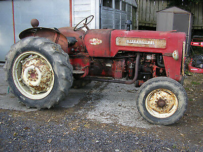 1962 INTERNATIONAL B414 diesel tractor with V5  Live PTO and hydraulics