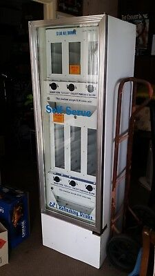 6 Drink Vending Machine (Approx 200 cans)