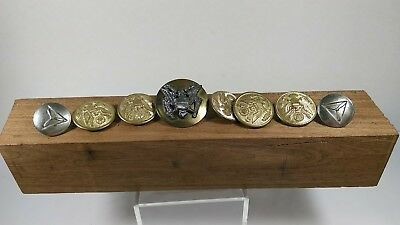8 vintage military buttons. Waterbury button CO, Conn. Nice lot!!!!!