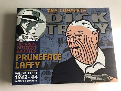Dick Tracy: The Complete Dick Tracy, 1942-44 Vol. 8 by Chester Gould