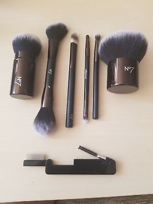 MIXED SELECTION OF BRAND NEW BOOTS No.7 MAKEUP BRUSHES