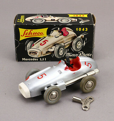 SCHUCO Micro Racer 1043 Mercedes 2.5 L Ovp Vintage wind up Toy Car Boxed