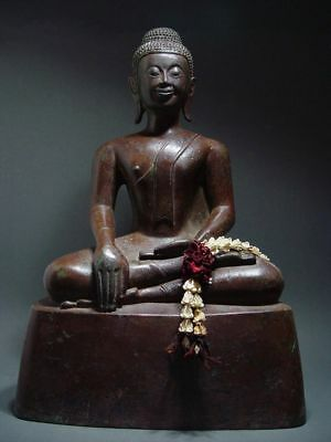 ANTIQUE BRONZE MEDITATING LAO SAKYAMUNI BUDDHA, LAOTIAN ART. EARLY 18th C.