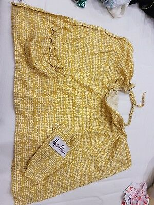 Pre Owned Yellow Ochre Geometric Pocket Hooter Hider Breasfeeding Cover