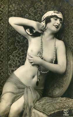 NUDE WITH NECKLACE C. 1910-1920s OLD ORIGINAL postcard