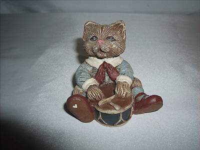 """Sarah's Attic Granny's Favorites 1990 """"Scuffy"""" Cat Figurine Playing A Drum"""