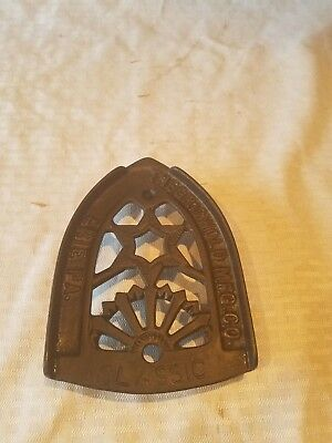 Vintage Antique Cast Iron Griswold Classic Sad Iron Stand PN 1602 great cond.