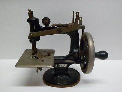 Antique Cast Iron Toy or Salesman Sample Singer Sewing Machine