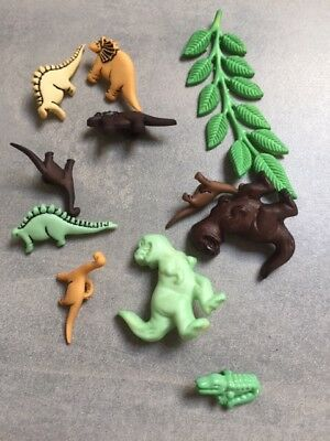 Buttons Galore - Bag of Dinosaur Shank Buttons - SUPER CUTE !!