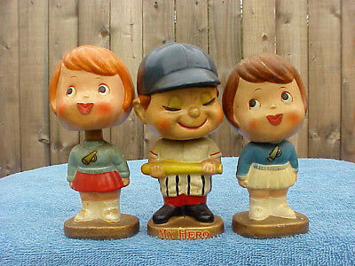 "VINTAGE * TRIO of KISSING BOY & ( 2 ) GIRLS * BOBBLE / HEAD NODDERS  5""/ LABELS"