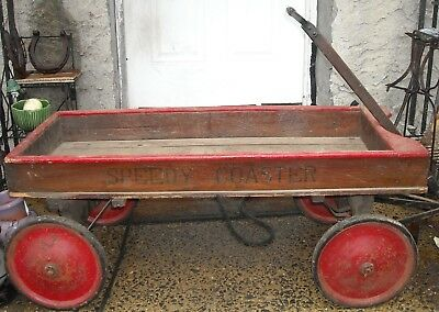 Antique Speedy Coaster Wooden Wagon. Primitive pull toy. NICE !