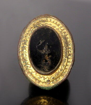 Roman Gilded Bronze Plate Brooch With A Glass Centre-Boss (M70)