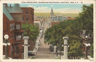 Troy, NEW YORK - Rensselaer Polytechnic Institute - old cars