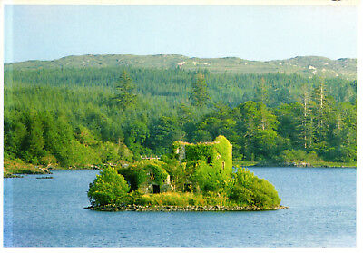 Ireland - Connemara  -  View of the Ballynahinch Lough with old castle - ca.1995