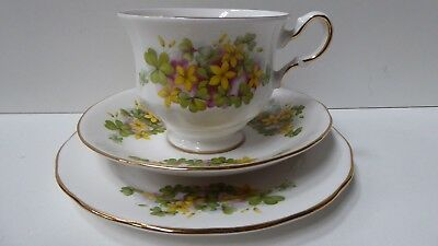 Queen Anne F 774 Yellow Flower Floral Trio Bone China Tea Cup Saucer Plate