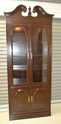 Ethan Allen Georgian Court Curio Wall Unit Bookcase Cherry #11-9214 circa 1982