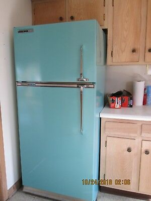 GE Vintage Frost Guard Turquoise Refrigerator circa 1960's