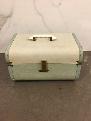 6c0353ff85 VINTAGE MID CENTURY Maximillian Astra-Lite Train Case Luggage In Light  Green - $20.00 | PicClick