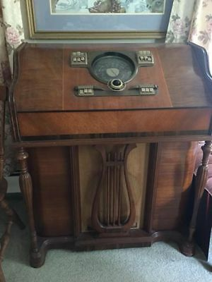 Antique Zenith short wave radio. Model 10H571 in working condition. Price Drop