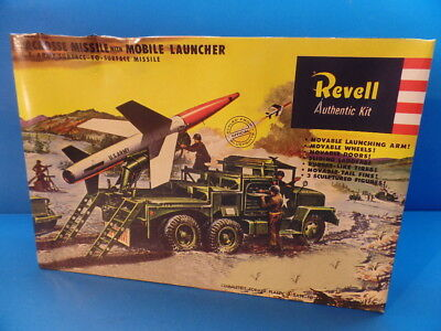 """1/40 Revell Authentic (1997) : """"Lacrosse- Missile """" with  Carrier Launcher"""