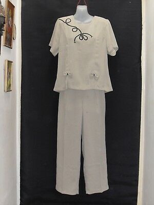 1980's Vintage Pants Suit - High Waisted Pants & Short Sleeved Top.