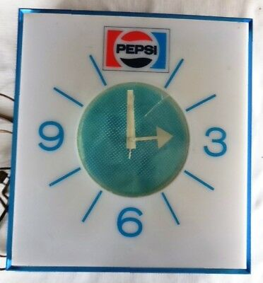 Vintage  PEPSI Cola Wall Clock, Model G665 ,1970's Lighted/For Parts or Repair