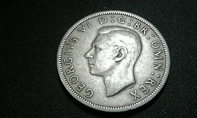 Great Britain 1951 Half Crown, nice collectible coin in very fine condition.