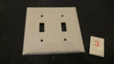 1 Vtg Bakelite Ivory Ribbed Deco Double Light Switch Plate Cover - O3