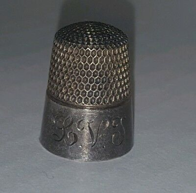 Beautiful Vintage Sterling Silver Smooth Polish Engraved L.V.T Thimble