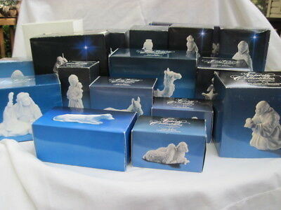 AVON Vintage White Porcelain Nativity Holy Family/Stable/Angels/Animals/Kings +