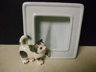 Sweet Vintage Cat Kitten Picture Frame with Black/White Kitty