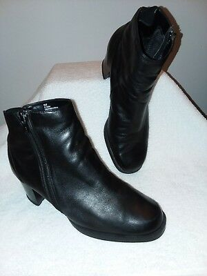 Mister Shoes Women's  Sz 6M  Black Leather Ankle Booties Boots #h-9084