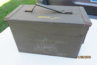 US. MILITARY ISSUED.50 CAL LINKED BALL M-33  AMMO CAN  Excellent